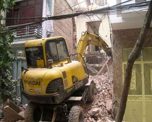 Dịch vụ phá dỡ nhà ở cũ, hư hỏng